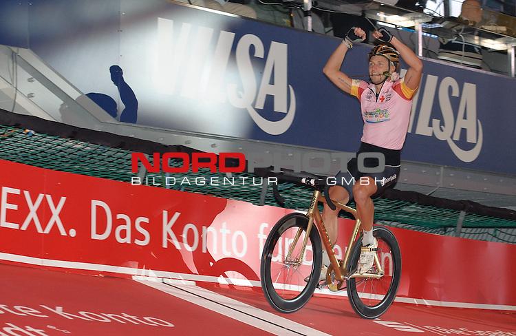 10.01.2014, &Ouml;VB Arena, Bremen, GER, Sixdays Bremen, im Bild Erik Marcel Barth (Team Bremen Ol&eacute; #7)<br /> <br /> Foto &copy; nordphoto / Frisch