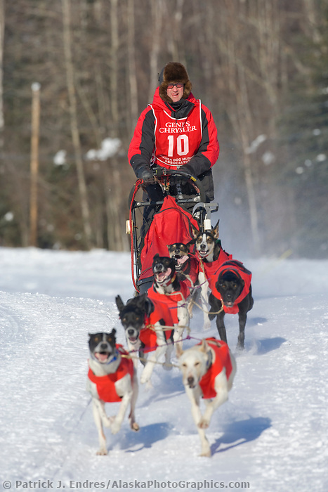Musher Ken Chezik, 2007 Limited North American Championship Sled dog race in Fairbanks, Alaska.