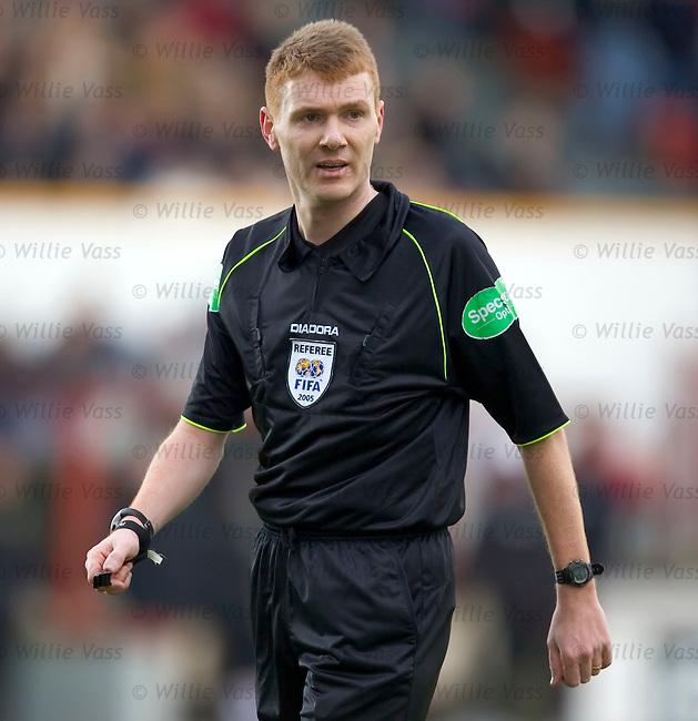 Calum Murray, referee.stock season 2004-2005.pic willie vass