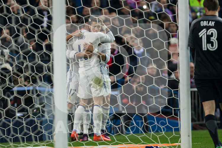 Real Madrid's Cristiano Ronaldo Garet Bale Lucas Vazquez  during the match of La Liga between Atletico de Madrid and Real Madrid at Vicente Calderon Stadium  in Madrid , Spain. November 19, 2016. (ALTERPHOTOS/Rodrigo Jimenez)