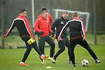 180314 Manchester Utd training UCL