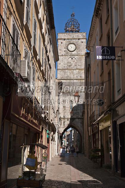 Europe/France/Provence-Alpes-Côte d'Azur/84/Vaucluse/Lubéron/Apt: Le Beffroi d'Apt et son  Campanile, Rue Saint-Pierre