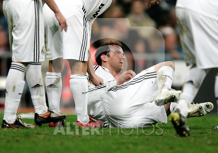Real Madrid's Christophe Metzelder injured during La Liga match, December 20, 2008. (ALTERPHOTOS).