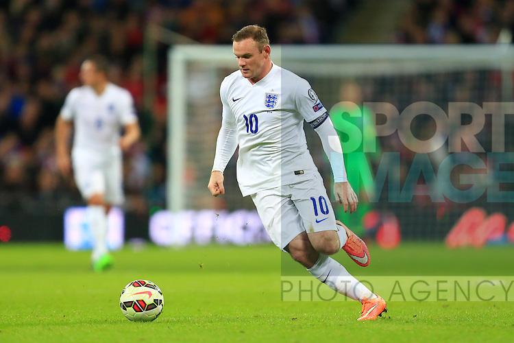 Wayne Rooney of England in action - England vs. Slovenia - UEFA Euro 2016 Qualifying - Wembley Stadium - London - 15/11/2014 Pic Philip Oldham/Sportimage