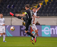 David Abraham (Eintracht Frankfurt) klärt - 12.03.2020: Eintracht Frankfurt vs. FC Basel, UEFA Europa League, Achtelfinale, Commerzbank Arena<br /> DISCLAIMER: DFL regulations prohibit any use of photographs as image sequences and/or quasi-video.