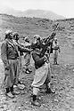 Iraq 1974 <br /> The resumption of hostilities, training of peshmergas   <br /> Irak 1974 <br /> La reprise de la lutte arm&eacute;e, entrainement des peshmergas