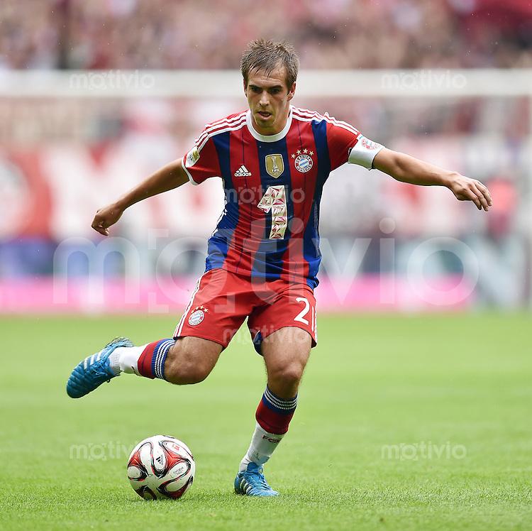 Fussball  1. Bundesliga  Saison 2014/2015   3. SPIELTAG FC Bayern Muenchen - VfB Stuttgart       13.09.2014 Philipp Lahm (FC Bayern Muenchen) am Ball