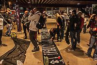 SÃO PAULO, SP, 04/O9/2014 - PROTESTO / MASCARADOS/ ROOSEVELT - Um grupo de mascarados realiza protesto na Praça Roosevelt contra  a proibição do uso de máscaras em São Paulo, na noite desta quinta-feira (4), em São Paulo. (Foto: Taba Benedicto / Brazil Photo Press).