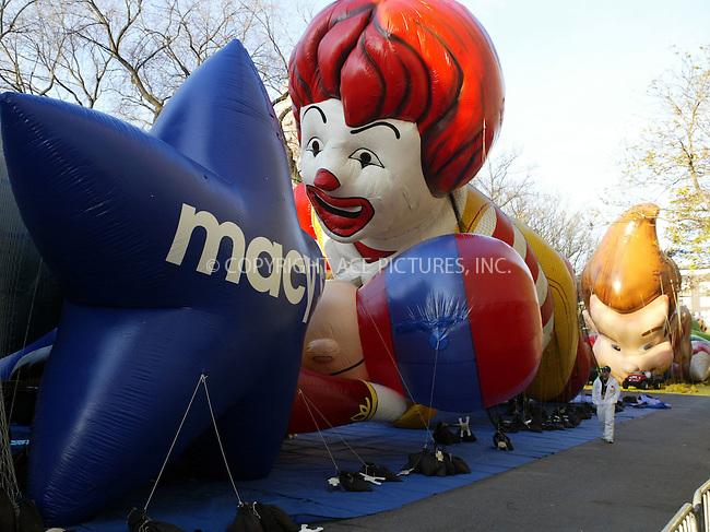 The 77th Annual Macy's Thanksgiving Parade in New York City, November 27 2003. Please byline: NY Photo Press.   ..*PAY-PER-USE*      ....NY Photo Press:  ..phone (646) 267-6913;   ..e-mail: info@nyphotopress.com