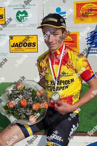 2013-05-05 / Wielrennen / seizoen 2013 / PK Antwerpen / Gilles Van Der Auwera ;  Winnaar Gilles Van Der Auwera (Geel) met zijn kampioenentrui