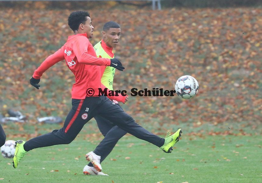 U19 Talent Justin Kabuya gegen Allen Rodrigues de Souza (Eintracht Frankfurt) - 14.11.2018: Eintracht Frankfurt Training, Commerzbank Arena, DISCLAIMER: DFL regulations prohibit any use of photographs as image sequences and/or quasi-video.