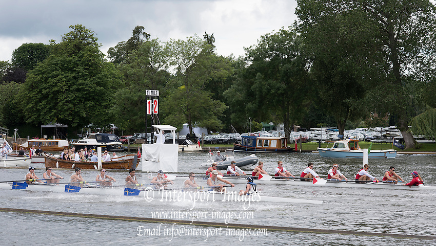 Henley on Thames. United Kingdom. Heat of the Princess Elizabeth Challenge Cup, {All American Affair} closest, Jesuit College, Prep School, USA.   at the Mile and one eighth marker, in their race with St Paul's School, Concord, USA.        Thursday,  30/06/2016,      2016 Henley Royal Regatta, Henley Reach.   [Mandatory Credit Peter Spurrier/ Intersport Images]