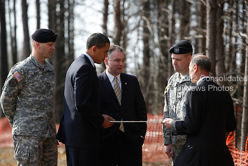 Springfield, VA - February 11, 2009 -- United States President Barack Obama (2L) and  Virginia Governor Tim Kaine (3L) look at a map of  the Construction site of Fairfax County Parkway connector that they are visiting, surrounded by Colonel Jerry Blixt (L), Colonel Mark Moffatt (2R) and Director of the North Atlantic Division of the US Army Corps of Engineers James Stuart Turkel , Springfield , VA, Tuesday, February 11, 2009..Credit: Aude Guerrucci - Pool via CNP