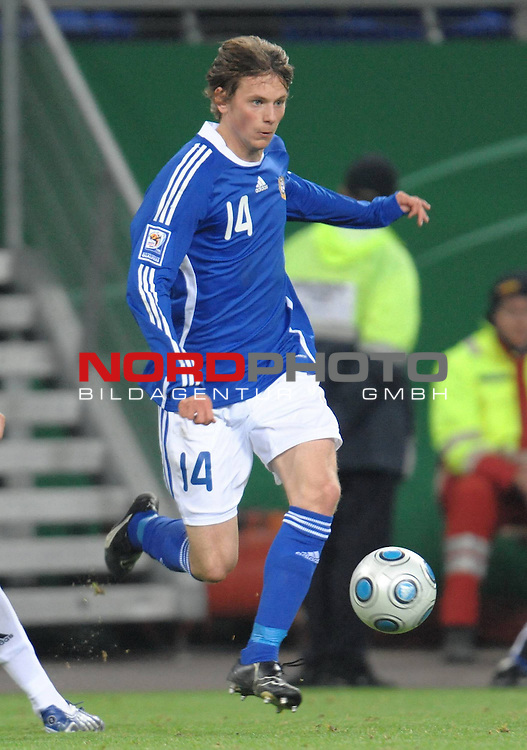 Fussball, L&auml;nderspiel, WM 2010 Qualifikation Gruppe 4  14. Spieltag<br />  Deutschland (GER) vs. Finnland ( FIN ) 1:1 ( 0:1 )<br /> <br /> Kasper H&auml;m&auml;l&auml;inen (Finnland # 14)<br /> <br /> Foto &copy; nph (  nordphoto  )