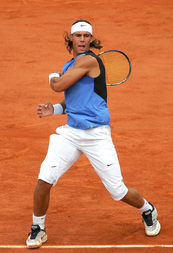 Photo: Iconsport/Richard Lane Photography..Roland Garros 2006..05/06/2006..Rafael Nadal during his match against Lleyton Hewitt.