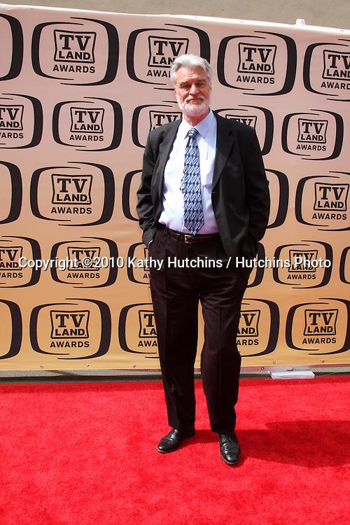Richard Moll.arrives at the 2010 TV Land Awards.Sony Studios.Culver City, CA.April 17, 2010.©2010 Kathy Hutchins / Hutchins Photo...