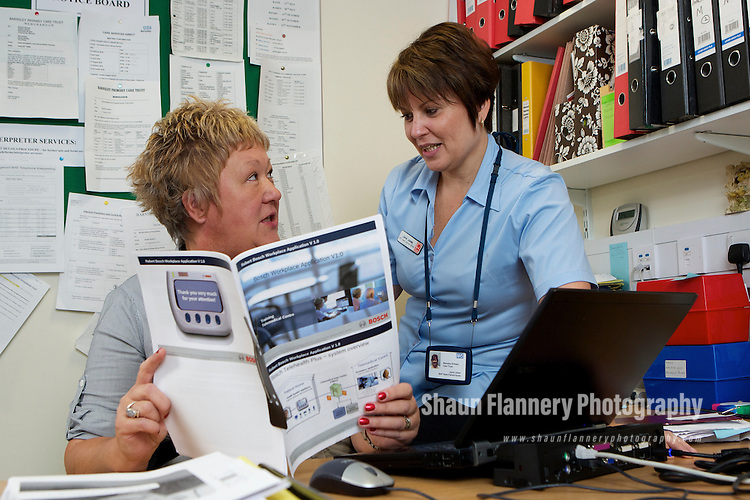 Pix: Shaun Flannery/shaunflanneryphotography.com...COPYRIGHT PICTURE>>SHAUN FLANNERY>01302-570814>>07778315553>>..29th September 2010................NHS Barnsley..Apollo Court, Medical Centre, Dodworth..Care Services Direct British Heart Foundation Heart Failure Specialist Nurses..Mandy Houghton and Jayne Jukes.