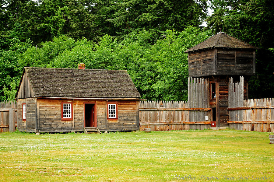 Laborers Dwelling and Bastion at Fort Nisqually Living History Museum, Point Defiance Park, Tacoma, Washington, USA