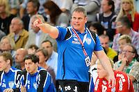 Trainer Dirk Beuchler (TBV) gibt Anweisungen
