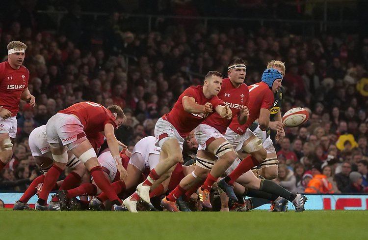 Wales' Gareth Davies whips the ball out <br /> <br /> Photographer Ian Cook/CameraSport<br /> <br /> Under Armour Series Autumn Internationals - Wales v South Africa - Saturday 24th November 2018 - Principality Stadium - Cardiff<br /> <br /> World Copyright © 2018 CameraSport. All rights reserved. 43 Linden Ave. Countesthorpe. Leicester. England. LE8 5PG - Tel: +44 (0) 116 277 4147 - admin@camerasport.com - www.camerasport.com