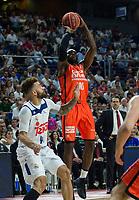MADRID, ESPAÑA - 11 DE JUNIO DE 2017: Sato realiza un tiro durante el partido entre Real Madrid y Valencia Basket, correspondiente al segundo encuentro de playoff de la final de la Liga Endesa, disputado en el WiZink Center de Madrid. (Foto: Mateo Villalba-Agencia LOF)