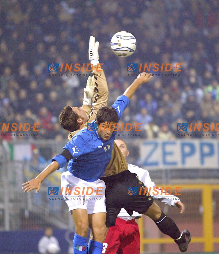 Rieti 19 Novembre 2003 Qualificazioni Campionato Europeo Under 21<br /> Italia Danimarca Under 21 0-0<br /> Giuseppe Sculli and Stephan Andersen<br /> Foto Andrea Staccioli Insidefoto