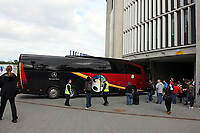 Bus der Deutschen Nationalmannschaft faehrt in die Commerzbank Arena ein<br /> WM-Team des DFB trainiert in der Commerzbank Arena *** Local Caption *** Foto ist honorarpflichtig! zzgl. gesetzl. MwSt. Auf Anfrage in hoeherer Qualitaet/Aufloesung. Belegexemplar an: Marc Schueler, Alte Weinstrasse 1, 61352 Bad Homburg, Tel. +49 (0) 151 11 65 49 88, www.gameday-mediaservices.de. Email: marc.schueler@gameday-mediaservices.de, Bankverbindung: Volksbank Bergstrasse, Kto.: 151297, BLZ: 50960101