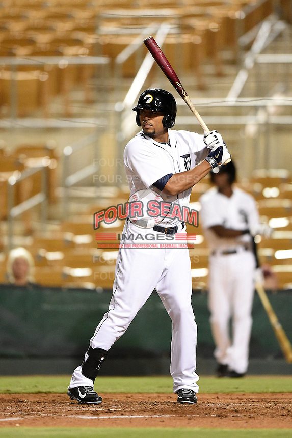 Glendale Desert Dogs outfielder Daniel Fields (22) during an Arizona Fall League game against the Surprise Saguaros on October 9, 2014 at Camelback Ranch in Phoenix, Arizona.  Surprise defeated Glendale 7-4.  (Mike Janes/Four Seam Images)