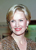 ABC / Prime Time Anchor Diane Sawyer arrives at the White House in Washington, DC for the State Dinner honoring Chinese President Ziang Zemin on October 29, 1997.<br /> Credit: Ron Sachs / CNP