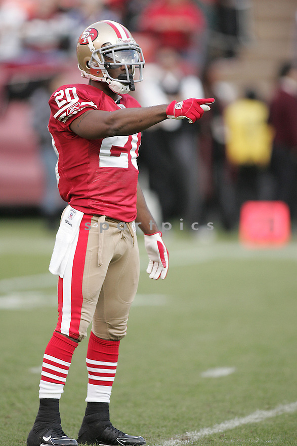 ALLEN ROSSUM, of the San Francisco 49ers  , in action  during the 49ers game against the Washington Redskin on December 28, 2008 in San Francisco, CA...49ers win 27-24