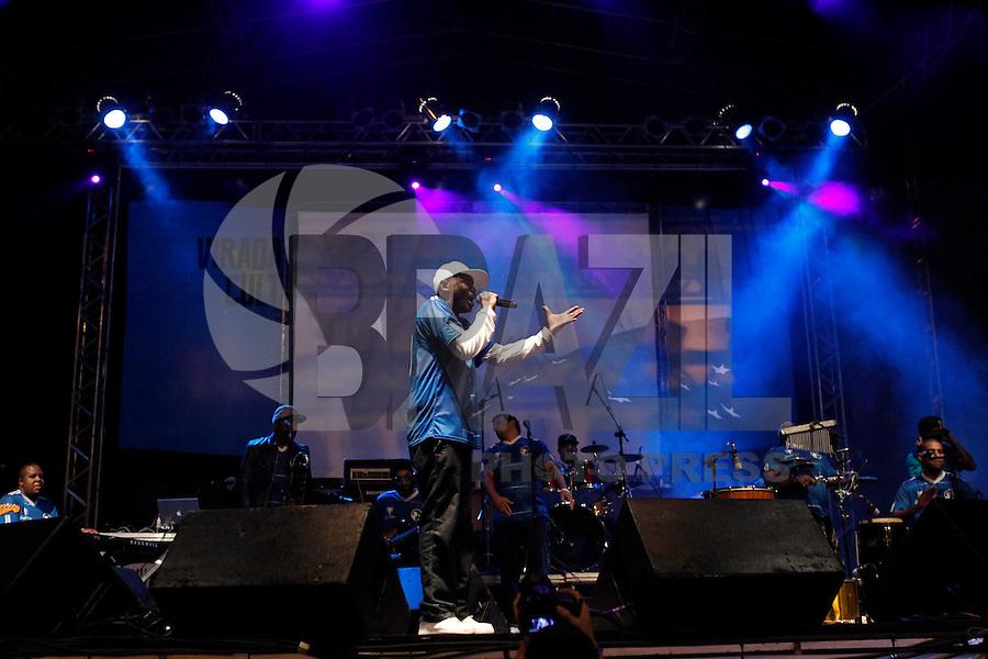 SAO PAULO, SP 18 DE MAIO 2013 - VIRADA CULTURAL 2013 - A Virada  Cultural acontece nos dias 18 e 19 de maio em toda a cidade de São Paulo. O cantor de Rap Rappin Hood se apresentou na Virada Cultural no palco da Praça da República. FOTO: PAULO FISCHER/BRAZIL PHOTO PRESS