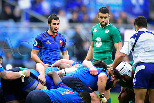 13.02.2016. Stade de France, Paris, France. 6 Nations Rugby international. France versus Ireland.  Sebastien Bezy ( France ) and Conor Murray ( Ireland ) wait for the scrum to form