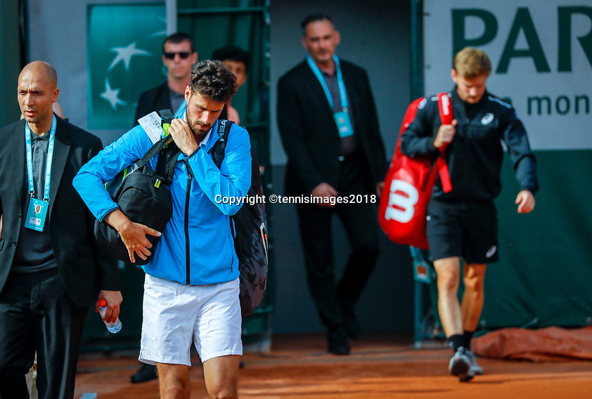 Paris, France, 27 May, 2018, Tennis, French Open, Roland Garros, Robin Haase (NED) end opponent David Goffin (BEL) entering the court<br /> Photo: Henk Koster/tennisimages.com