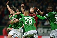FUSSBALL   1. BUNDESLIGA   SAISON 2013/2014   11. SPIELTAG SV Werder Bremen - Hannover 96                         03.11.2013 Santiago Garcia jubelt mit Davie Selke und Assani Lukimya (v.l., alle SV Werder Bremen) nach seinem Treffer zum 3:2