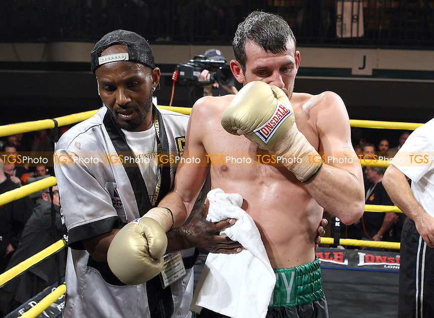 Gary Buckland (white/green shorts) defeats Derry Mathews (green/black shorts) in the Final of Prizefighter 'The Super-Featherweights' at York Hall, Bethnal Green, promoted by Matchroom Sports / Barry Hearn - 20/11/10 - MANDATORY CREDIT: Gavin Ellis/TGSPHOTO - Self billing applies where appropriate - Tel: 0845 094 6026