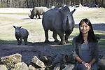 Foto: VidiPhoto<br /> <br /> ARNHEM &ndash; De Vietnamese Trang Nguyen donderdag op de savanne van Burgers&rsquo; Zoo in Arnhem, met op de achtergrond neushoorns en waterbokken. Trang is een van de drie jonge, veelbelovende internationale en prijswinnende natuurbeschermers die morgen de Future For Nature Awards in Burgers&rsquo; Zoo uitgereikt krijgen. Supermodel Doutzen Kroes reikt als eregast de Awards. Trang Nguyen (27) is een avontuurlijke Vietnamese die een gevaarlijke strijd vecht tegen de illegale handel van bedreigde diersoorten uit Afrika en Azi&euml;.