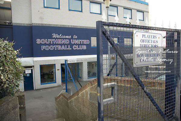 Southend fc main entrance. AFC Hornchurch Vs Great Wakering Rovers (27/03/2007) - Essex Senior Cup Final