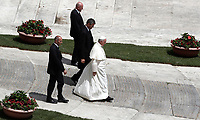 Papa Francesco lascia pizza San Pietro al termine della Santa Messa della Solennit&agrave; dei Santi Pietro e Paolo, Citta' del Vaticano, 29 giugno, 2017.<br /> Pope Francis leaves at the end of the mass for the imposition of the Pallium upon the new metropolitan archbishops and the solemnity of Saints Peter and Paul in St. Peter's Square at the Vatican, on June 29, 2017.<br /> UPDATE IMAGES PRESS/Isabella Bonotto<br /> <br /> STRICTLY ONLY FOR EDITORIAL USE