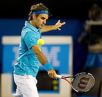 Roger Federer (SUI)  (1) against Jo-Wilfried Tsonga (FRA) (10) in the Semi Finals of the Mens Singles. Federer beat Tsonga 6-2 6-3 6-2..International Tennis - Australian Open Tennis - Fri 29  Jan 2010 - Melbourne Park - Melbourne - Australia ..© Frey - AMN Images, 1st Floor, Barry House, 20-22 Worple Road, London, SW19 4DH.Tel - +44 20 8947 0100.mfrey@advantagemedianet.com