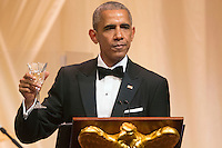 US President Barack Obama offers a toast to Italian Prime Minister Matteo Renzi during a state dinner on the South Lawn of the White House in Washington DC, USA, 18 October 2016. President Obama hosts his final state dinner, featuring celebrity chef Mario Batali and singer Gwen Stefani performing after dinner. <br /> Credit: Michael Reynolds / Pool via CNP / MediaPunch