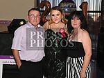 Leah Coleman celebrating her 21st birthday in The Thatch with parents Seamus and Yvonne. Photo:Colin Bell/pressphotos.ie