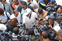 Cientos de choferes y seguidores del diputado Juan Hubieres protestaron este martes 31 erero/2012, en las inmediaciones de la corte de apelacion para dar su apoyo al Sr. Hubieres el cual es acusado por invación de terreros y daños al medio ambiente de areas protegidas..Fotos: Carmen Suárez/acento.com.do.Fecha: 31/01/2012.