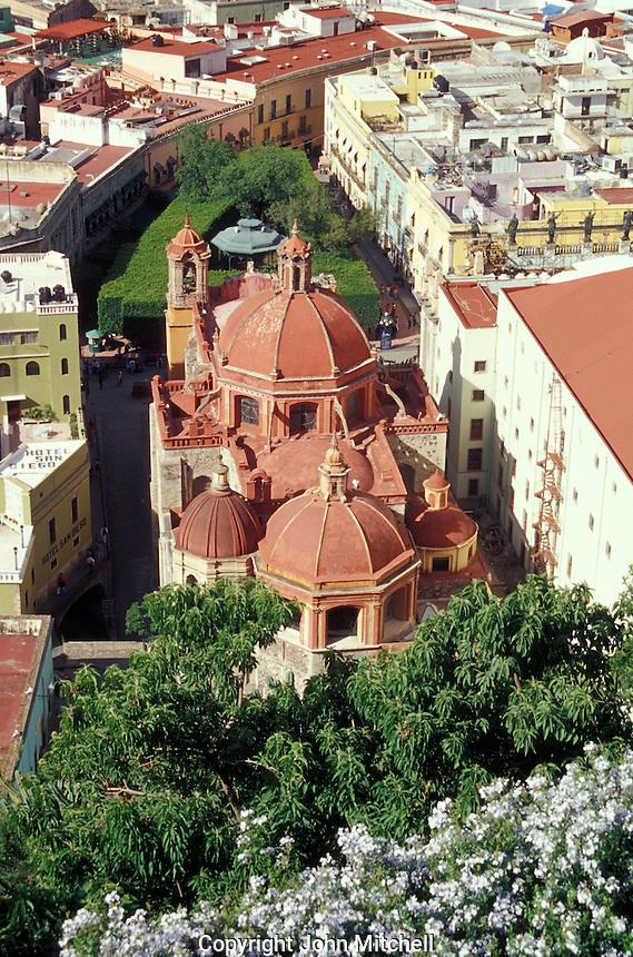 View of the Templo de San Diego church and the Jardin de la Union in the city of Guanajuato, Mexico