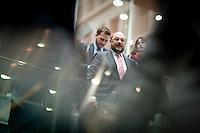 Der Präsident des Europäischen Parlamentes Martin Schulz kommt am Montag (05.05.14) in Berlin aus der Bundespressekonferenz.