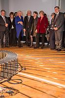 Bundespraesident Frank-Walter Steinmeier hat am Mittwochabend (16.01.2019) die bundesweiten Feierlichkeiten zum Bauhaus-Jubilaeum 2019 eroeffnet. (Foto v.li.: Sachsen-Anhalts Ministerpraesident Reiner Haseloff (CDU) mit Ehefrau Gabriele; Bettina Wagner-Bergelt, Direktorin am Tanztheater Wuppertal; Steinmeier mit Ehefrau Elke Buedenbender; Kulturstaatsministerin Monika Gruetters (CDU); der thueringische Ministerpraesident Bodo Ramelow (Die Linke) mit Ehefrau Germana Alberti vom Hofe; Dr. Klaus Lederer, Berlins Kultursenator.<br /> Bei der Auftaktveranstaltung unter dem Motto &quot;100 jahre bauhaus&quot; in der Akademie der Kuenste in Berlin, wuerdigte Steinmeier das Bauhaus als eine der &quot;bedeutendsten und weltweit wirkungsvollsten kulturellen Hervorbringungen unseres Landes&quot;. Die Feierlichkeiten zum Bauhaus-Jubilaeum 2019 stehen unter dem Titel &quot;Die Welt neu denken&quot;. Dazu sind in den kommenden Monaten rund 700 Veranstaltungen in elf Bundeslaendern geplant. Im Fokus stehen unter anderem die zentralen Wirkungsstaetten in Weimar, Dessau und Berlin.<br /> 16.1.2019, Berlin<br /> Copyright: Christian-Ditsch.de<br /> [Inhaltsveraendernde Manipulation des Fotos nur nach ausdruecklicher Genehmigung des Fotografen. Vereinbarungen ueber Abtretung von Persoenlichkeitsrechten/Model Release der abgebildeten Person/Personen liegen nicht vor. NO MODEL RELEASE! Nur fuer Redaktionelle Zwecke. Don't publish without copyright Christian-Ditsch.de, Veroeffentlichung nur mit Fotografennennung, sowie gegen Honorar, MwSt. und Beleg. Konto: I N G - D i B a, IBAN DE58500105175400192269, BIC INGDDEFFXXX, Kontakt: post@christian-ditsch.de<br /> Bei der Bearbeitung der Dateiinformationen darf die Urheberkennzeichnung in den EXIF- und  IPTC-Daten nicht entfernt werden, diese sind in digitalen Medien nach &sect;95c UrhG rechtlich geschuetzt. Der Urhebervermerk wird gemaess &sect;13 UrhG verlangt.]
