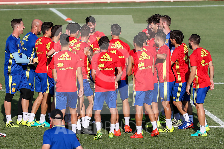 Spanish football team durign the first training of the concentration of Spanish football team at Ciudad del Futbol de Las Rozas before the qualifying for the Russia world cup in 2017 August 29, 2016. (ALTERPHOTOS/Rodrigo Jimenez)