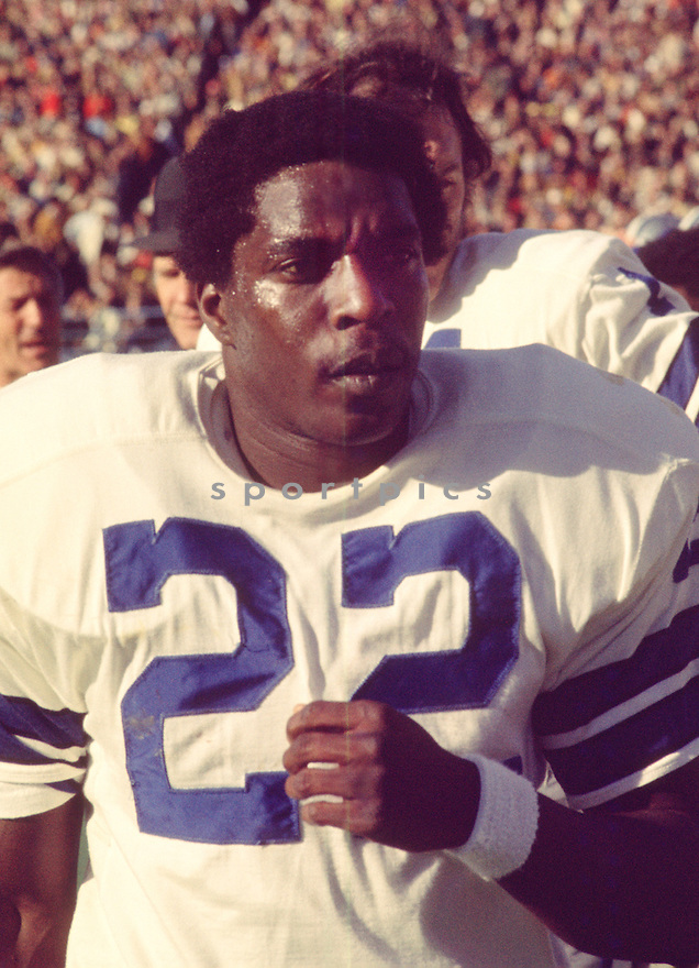 Dallas Cowboys Bob Hayes (22) during a game from his 1971season with the Dallas Cowboys. Bob Hayes  played 11 years, with 2 different teams, was a 3-time Pro Bowler  and was inducted into the Pro Football Hall of Fame in 2009.(SportPics)