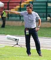 FLORIDABLANCA - COLOMBIA -17 -08-2014: Flabio Torres, técnico de Once Caldas, durante partido Alianza Petrolera y Once Caldas, por la fecha 5 de la Liga Postobon II-2014, jugado en el estadio Alvaro Gomez Hurtado de la ciudad de Floridablanca. /  Flabio Torres, coach of Once Caldas, during a match Alianza Petrolera and Once Caldas, for the date 5th of the Liga Postobon II-2014 at the Alvaro Gomez Hurtado stadium in Floridablanca city  Photo: VizzorImage  / Duncan Bustamente / Str.