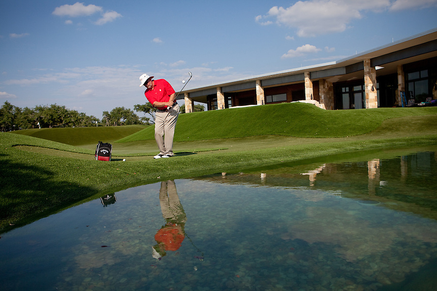 Dave Pelz practices at his home golf facility near Austin, Texas on May 22, 2012. Lance Rosenfield / Prime for The Wall Street Journal. GOLF-Pelz