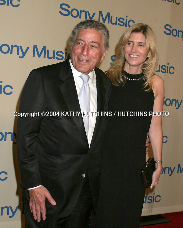 ©2004 KATHY HUTCHINS / HUTCHINS PHOTO.SONY MUSIC AFTER AWARD SHOW PARTY.MAPLE DRIVE RESTURANT.BEVERLY HILLS, CA.February 8, 2004..TONY BENNETT.DATE